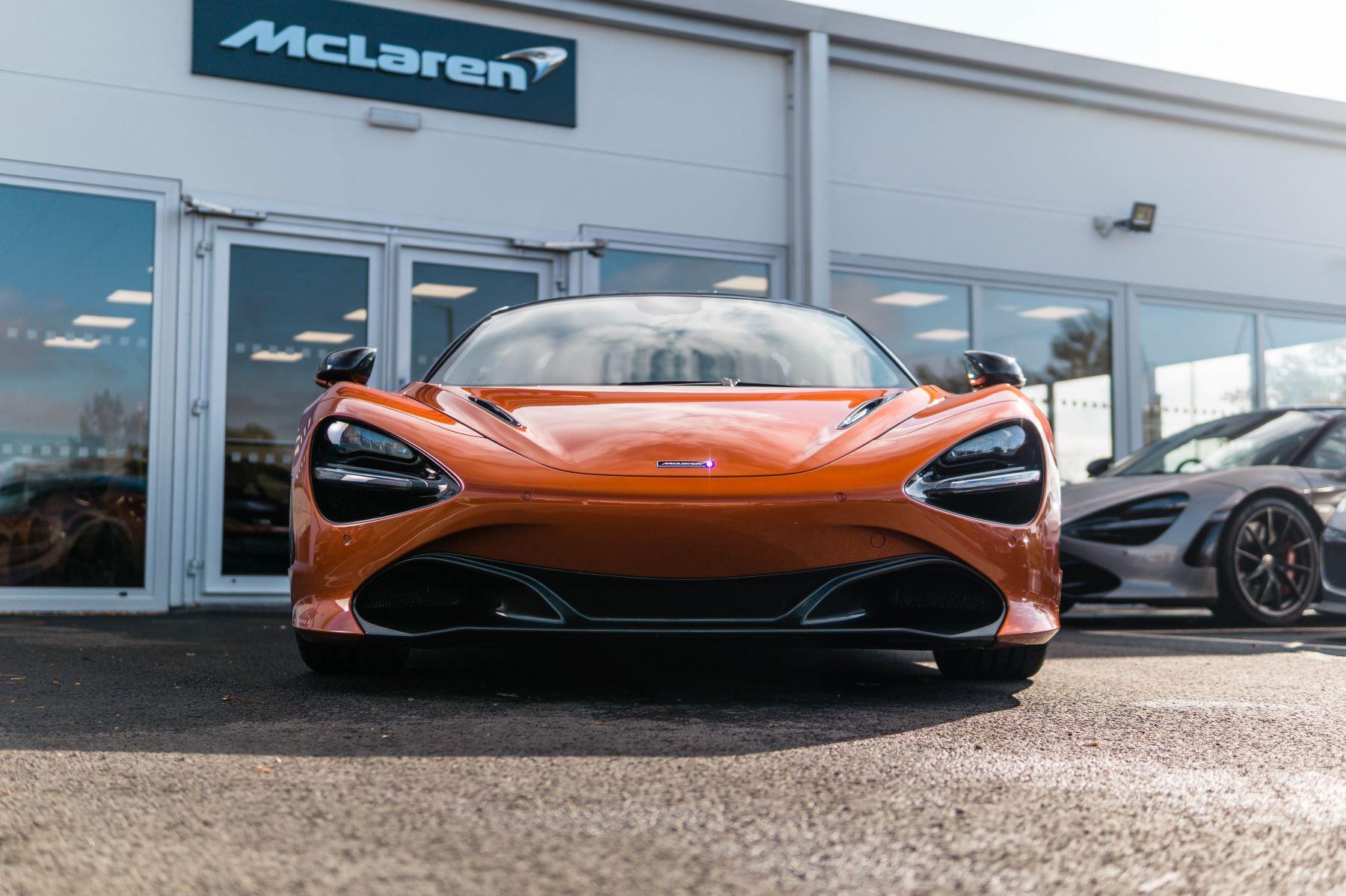 McLaren 720S V8 2dr SSG PERFORMANCE image 8
